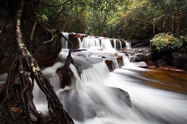 Suối Tranh Phú Quốc đẹp như cõi thần tiên