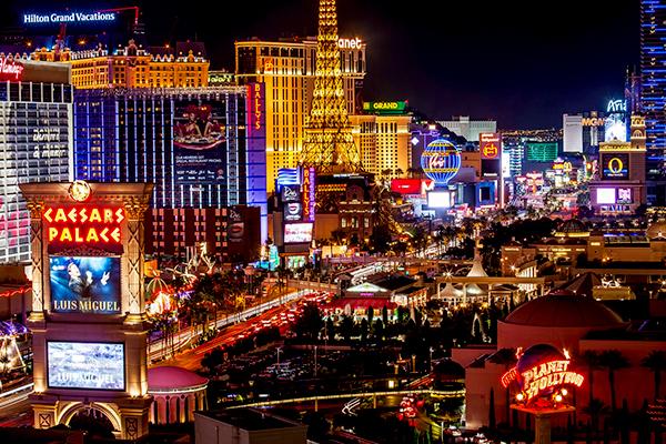 Las Vegas sôi động về đêm