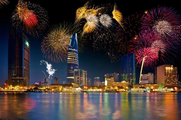 Bắn pháo hoa ở Sài Gòn