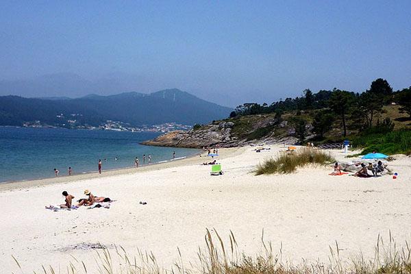 Bãi biển Đồ Sơn với vẻ đẹp hoang sơ