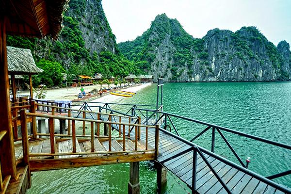 Đảo Nam Cát tại Vịnh Lan Hạ